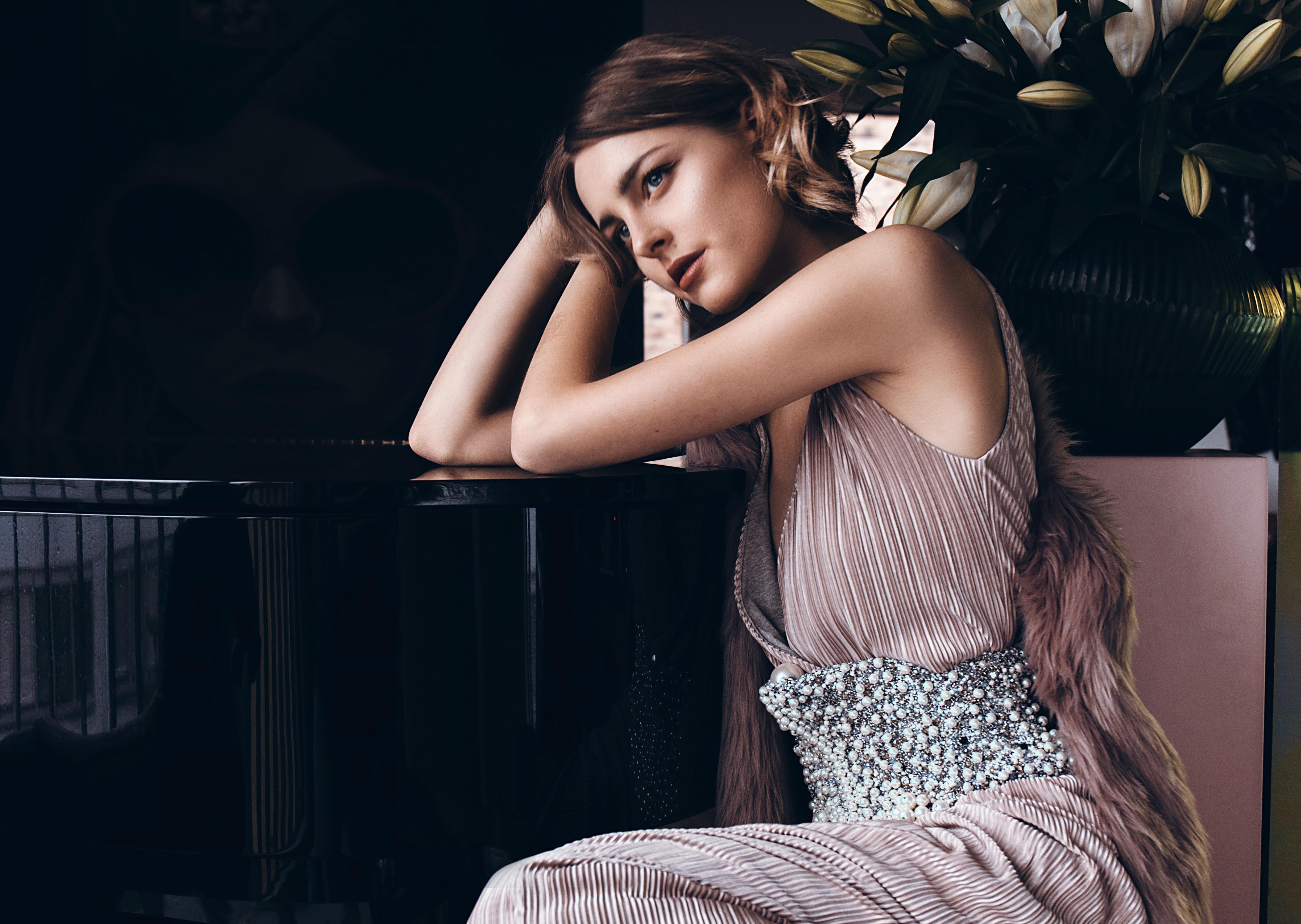 Nina Hnizdo am Klavier